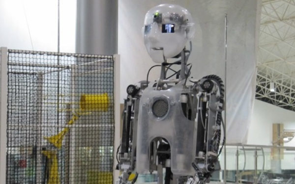 Full Size Humanoid Robot RoboThespian Educational Robot Jeddah Science Oasis - Engineered Arts