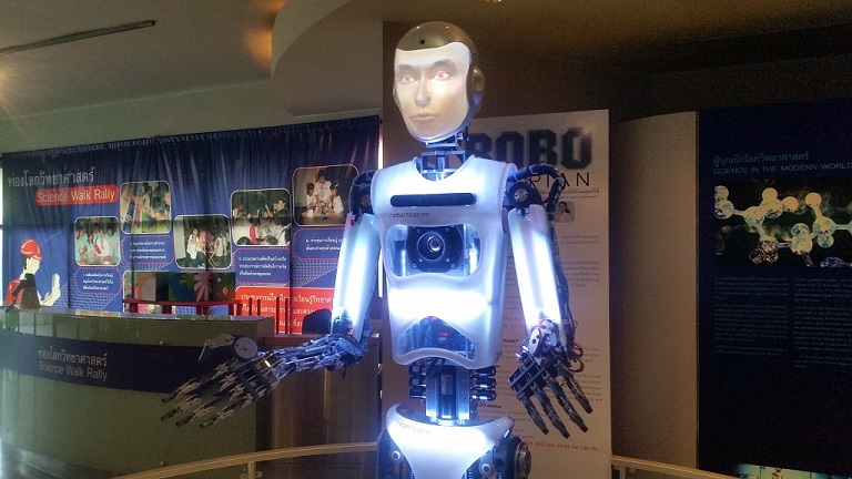 Humanoid Robot RoboThespian Greets Visitors at the National Science Museum Thailand - Engineered Arts
