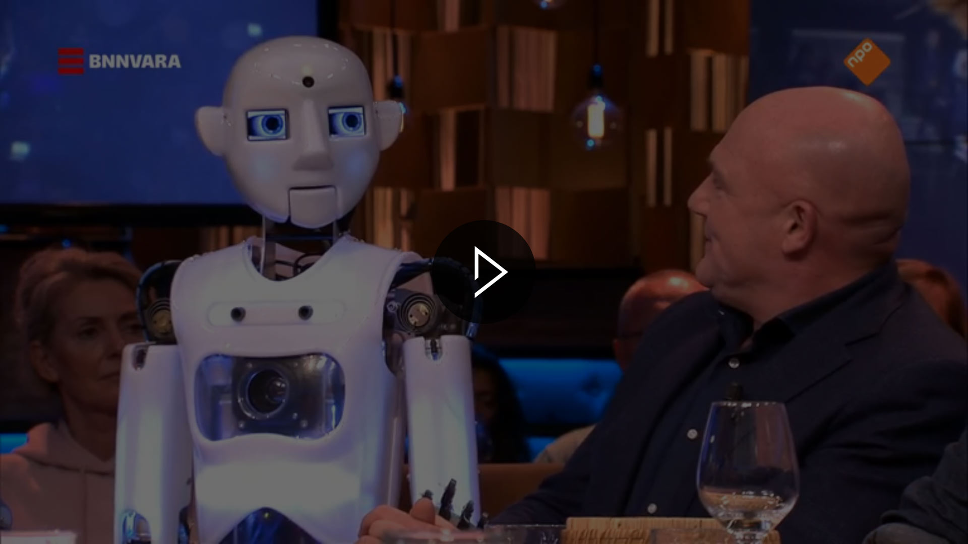 RoboThespian & André Kuipers on the Set of Pauw